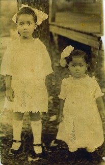 Margaret & Verna Lee circa 1920